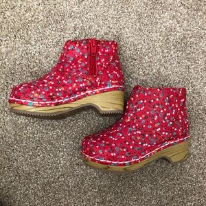 Genuine Kids Red Floral Clogs